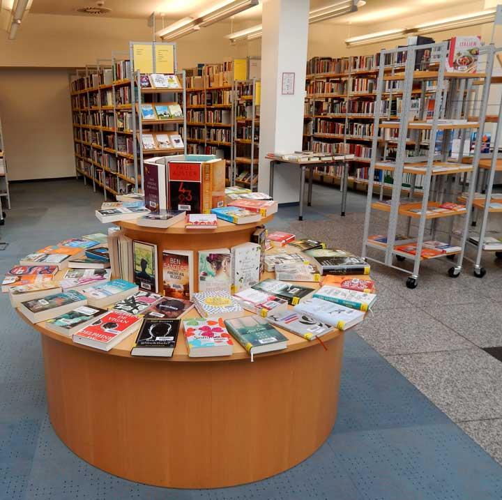 Stadtteilbücherei Hohenlimburg - runder Büchertisch - HohenlimBuch